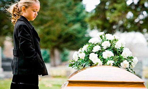 Cómo los padres pueden explicar y hablar de la muerte con los niños