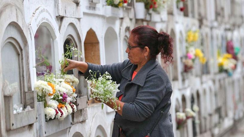 ¿Puedo visitar los Cementerios Públicos en Cuarentena?