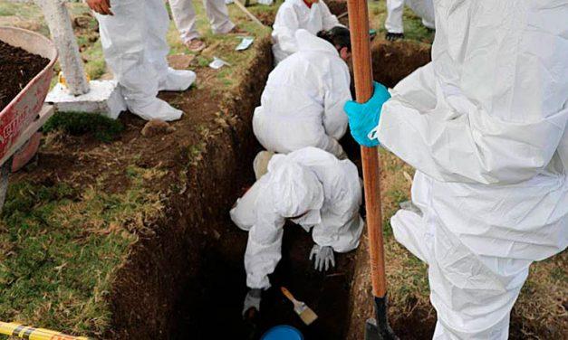 ¿Qué significa la inhumación y exhumación de un cadáver?