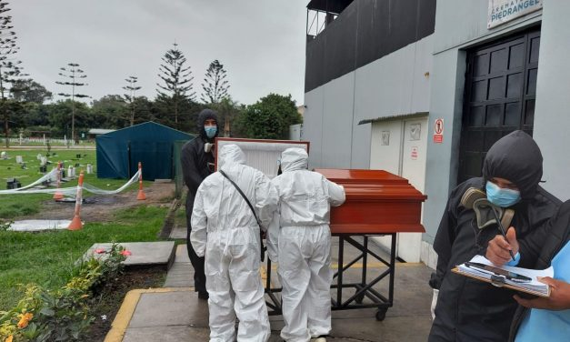 Directiva Sanitaria para el manejo de cadáveres por la COVID-19; y Normativa de cementerios y servicios funerarios.